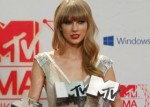 Taylor Swift and Justin Bieber dominate European Music Awards