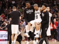 San Antonio Spurs loses Tony Parker in the most crucial time of the game.